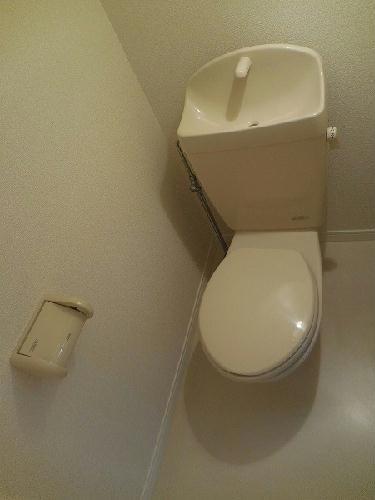 レオパレスクラージュ 204号室のトイレ
