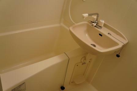 レオパレス紅葉 203号室の風呂