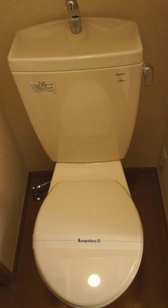 レオパレス紅葉 203号室のトイレ