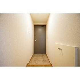 Supreme Tsukishima 0104号室の玄関