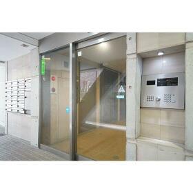 Supreme Tsukishima 0104号室のエントランス
