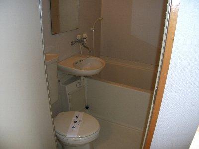 マ・シャンブル 201号室の風呂