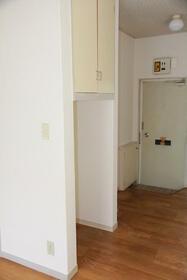 ハイツカトレア 205号室の玄関