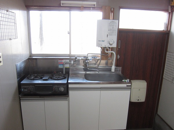 第三ふじみ荘 105号室のキッチン