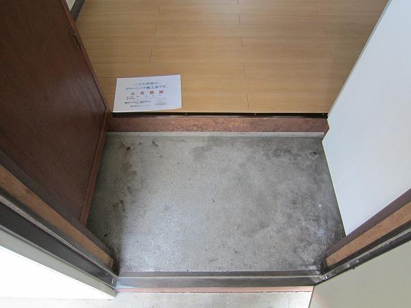 川崎荘 202号室の玄関