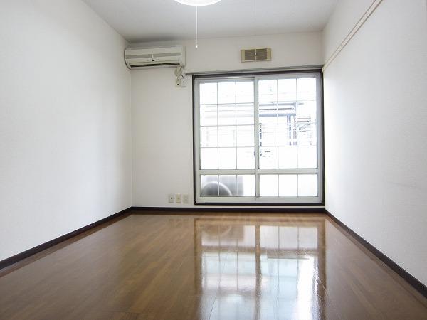 サントピア21 101号室のリビング