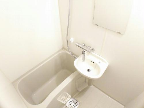 レオパレスレウニール 202号室の風呂