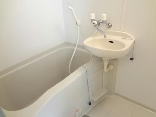 レオパレスKIT'S 103号室の風呂