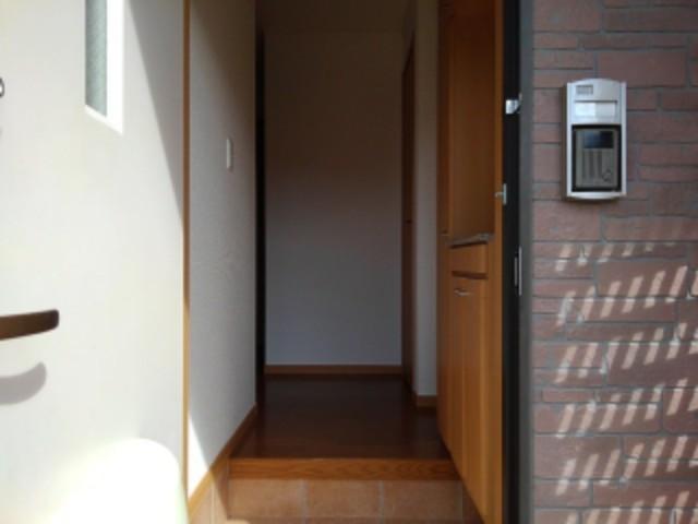 ピュア・シャンティ 01010号室の玄関