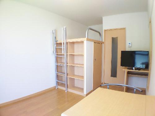 レオパレスグレンツェ 掛川 103号室のベッドルーム