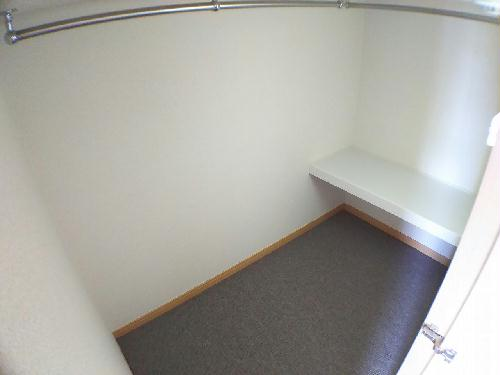 レオパレスクイーンハイツ掛川 301号室の収納