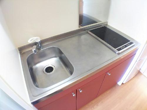 レオパレスMANATO 101号室のキッチン