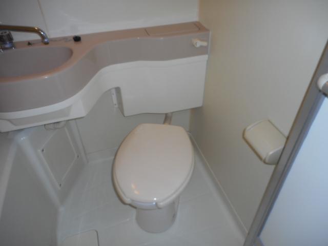 コートフレーベル 401号室のトイレ