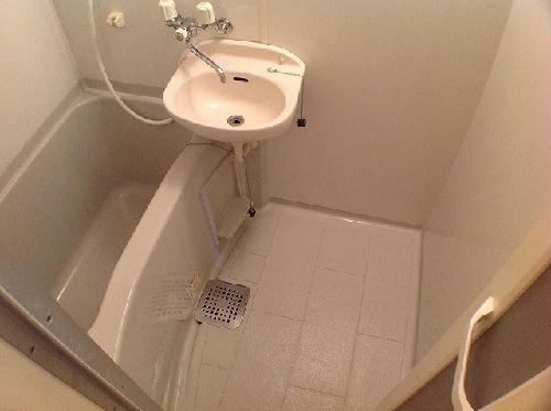 レオパレスやまぶき 101号室の風呂