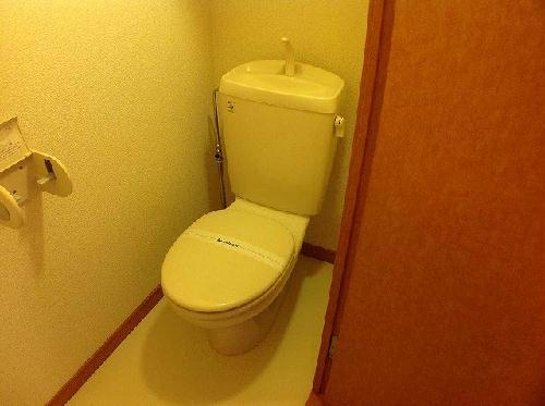 レオパレスやまぶき 101号室のトイレ