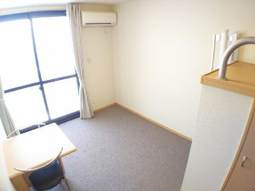 レオパレス山竹Ⅱ 303号室のベッドルーム