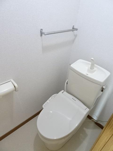 フローラーリア 02030号室のトイレ