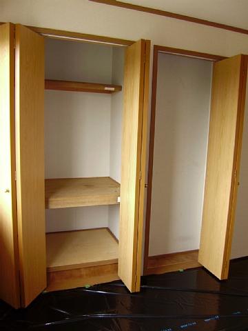 フローラーリア 02030号室の収納