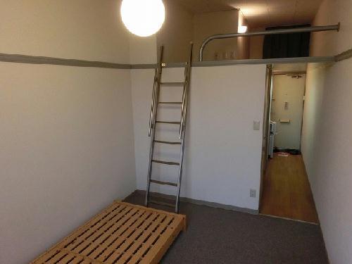 レオパレス楼蘭 201号室のリビング