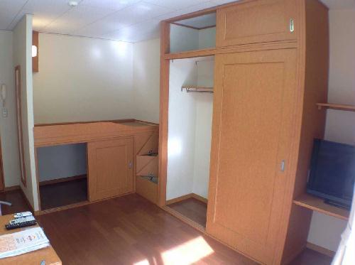 レオパレスSHINBAⅡ 106号室のリビング