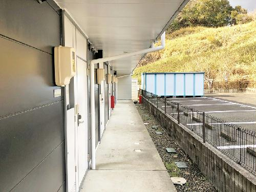 レオパレスSHINBAⅡ 106号室の玄関