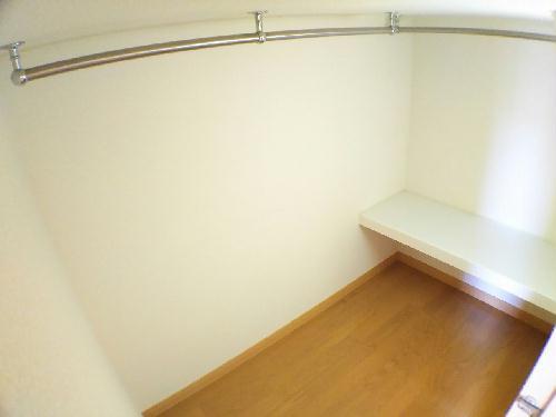 レオパレスMANATO 201号室の収納