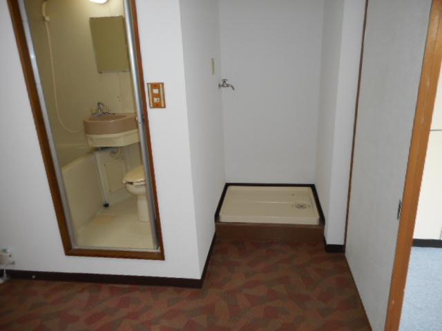 メゾンMORI 303号室の洗面所