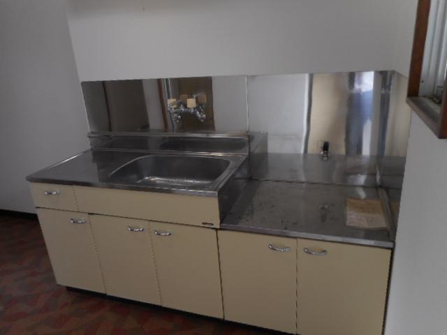 メゾンMORI 303号室のキッチン