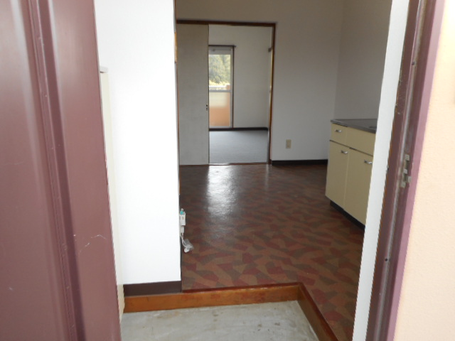 メゾンMORI 303号室の玄関