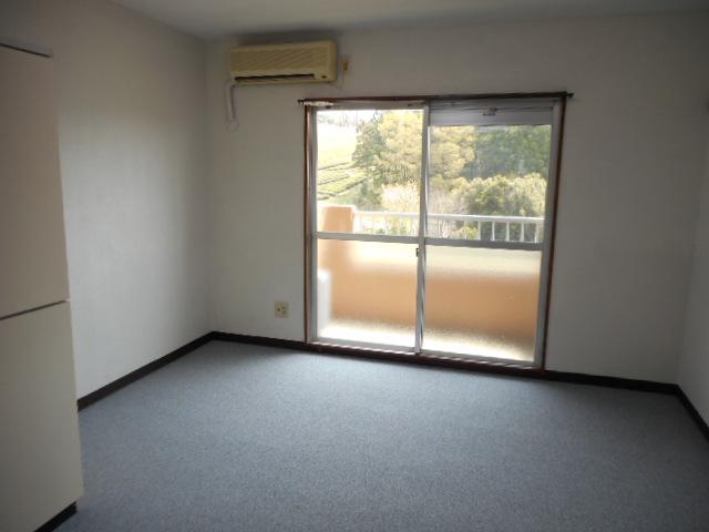 メゾンMORI 303号室のバルコニー