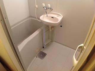 レオパレスエクセル・ケン 205号室の風呂
