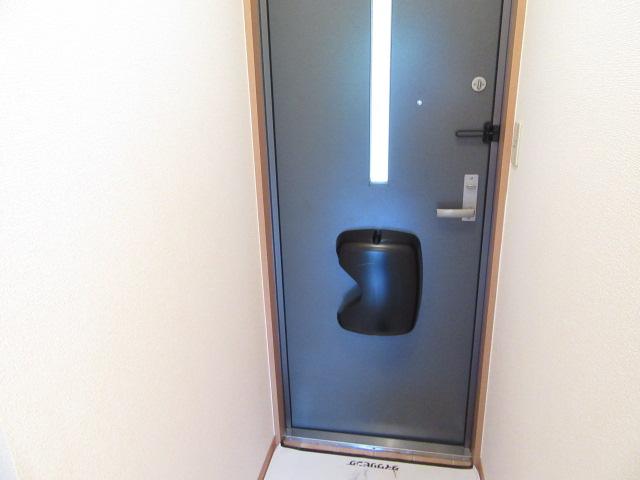 メゾン・ド・ベガ 206号室の玄関