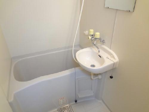 レオパレス廣岡 202号室の風呂