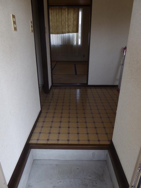東町フォーブル 101号室の玄関