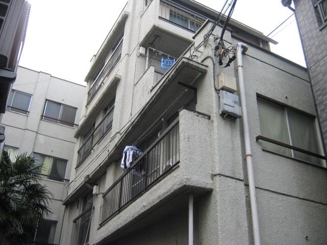 小梅マンション 203号室の外観