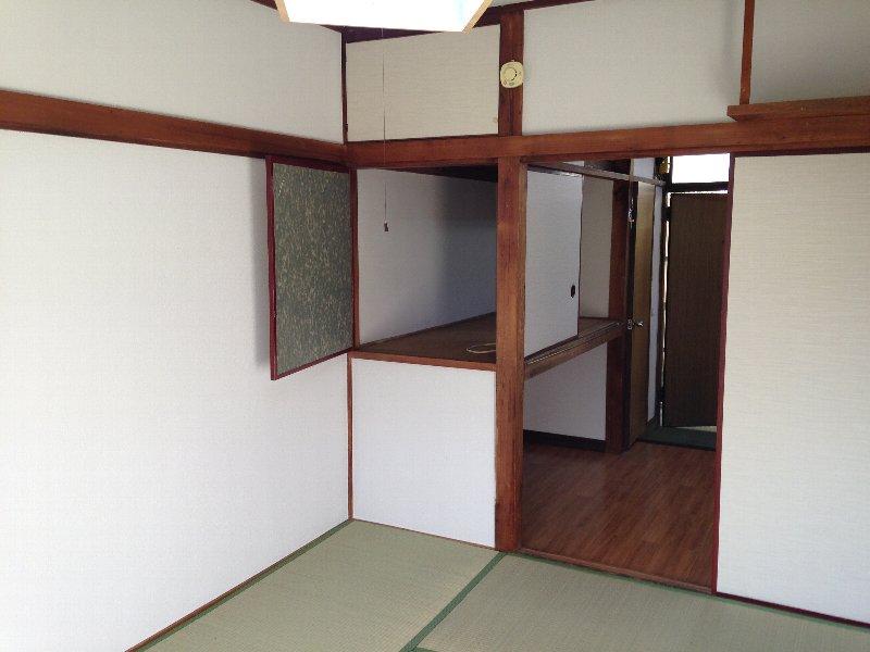 ハイム丸山 203号室のリビング