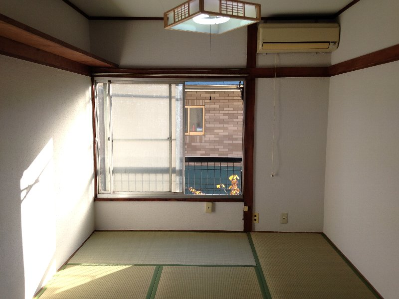ハイム丸山 203号室の居室