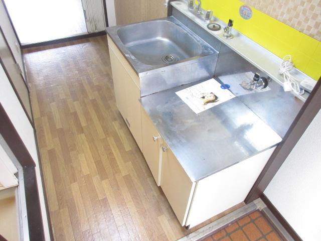 ザ・テラス 105号室のキッチン