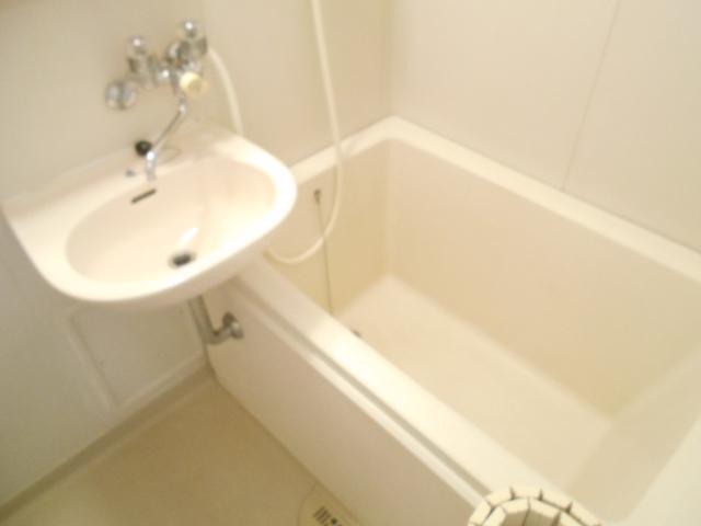 メゾンラフォーレ 202号室の風呂