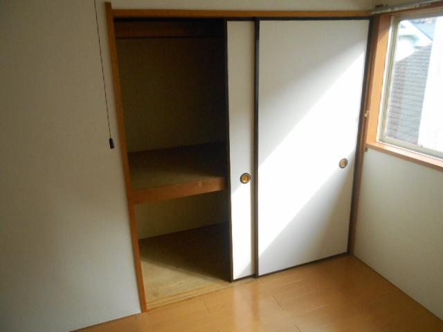 メゾンラフォーレ 202号室の収納