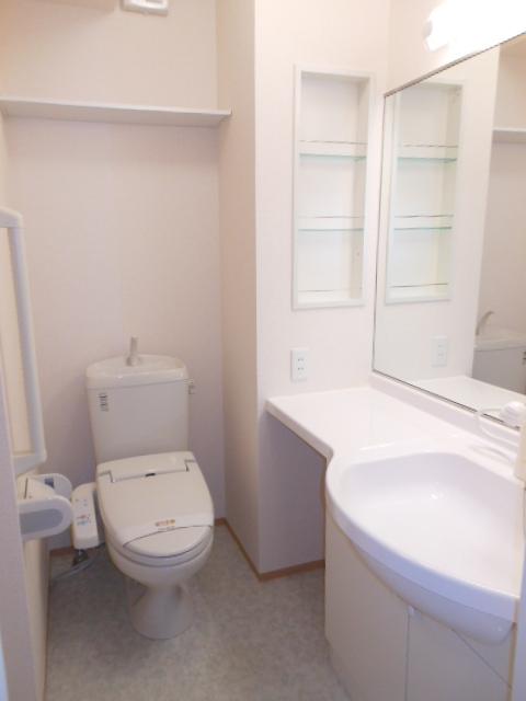 グリーンヒル 210号室のトイレ
