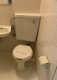 ソリッドリファイン東新宿 303号室のトイレ