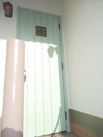 目白クイーンズコート 204号室の玄関