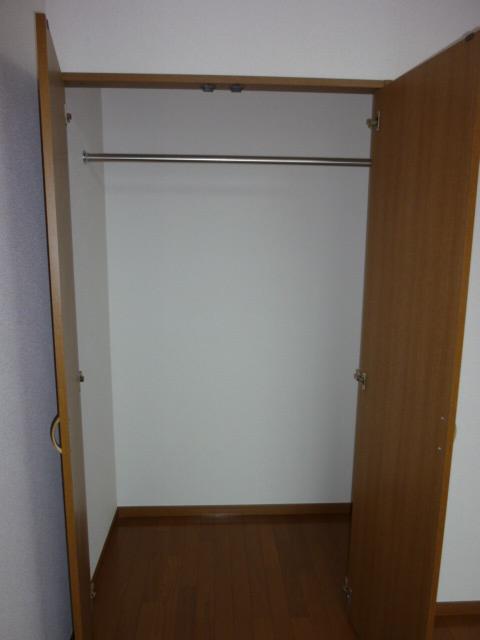 アムール小松 102号室の収納