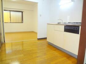 ローリエ矢来町 203号室のキッチン