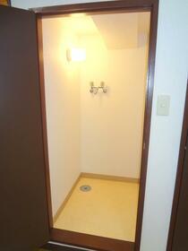 ローリエ矢来町 203号室の設備