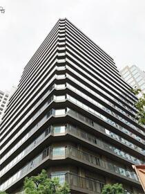 西新宿パークサイドタワーの外観