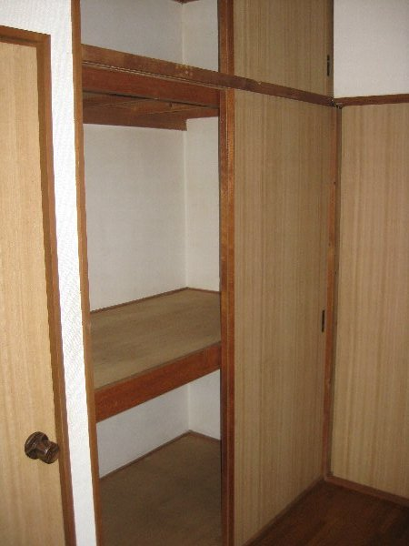コーポオオクボ 201号室の収納