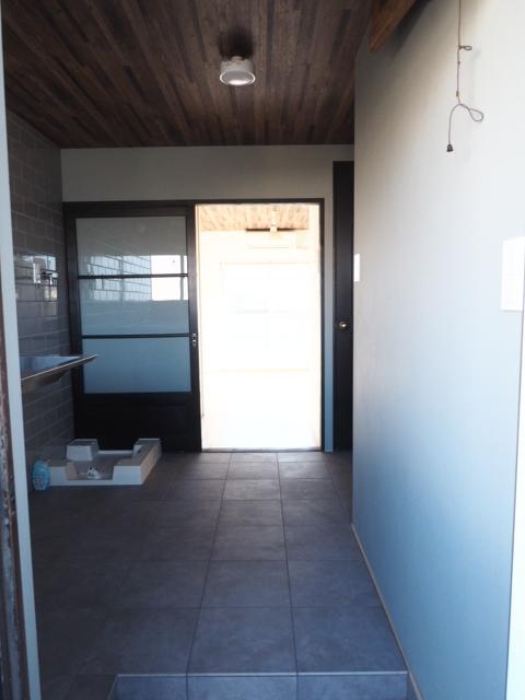 ハイツK 3B号室の玄関