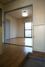 KMハイム 101号室のキッチン